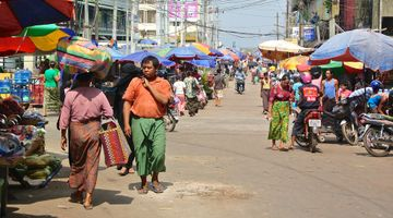 Mawlamyine, Myanmar. 30